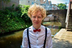 Guus van Marwijk Bingo Muziek Wat te doen Pubquiz pop